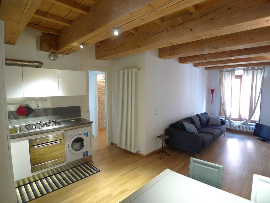 Affitto appartamento pesaro zona centro storico ab1 for Appartamenti in affitto treviso non arredati