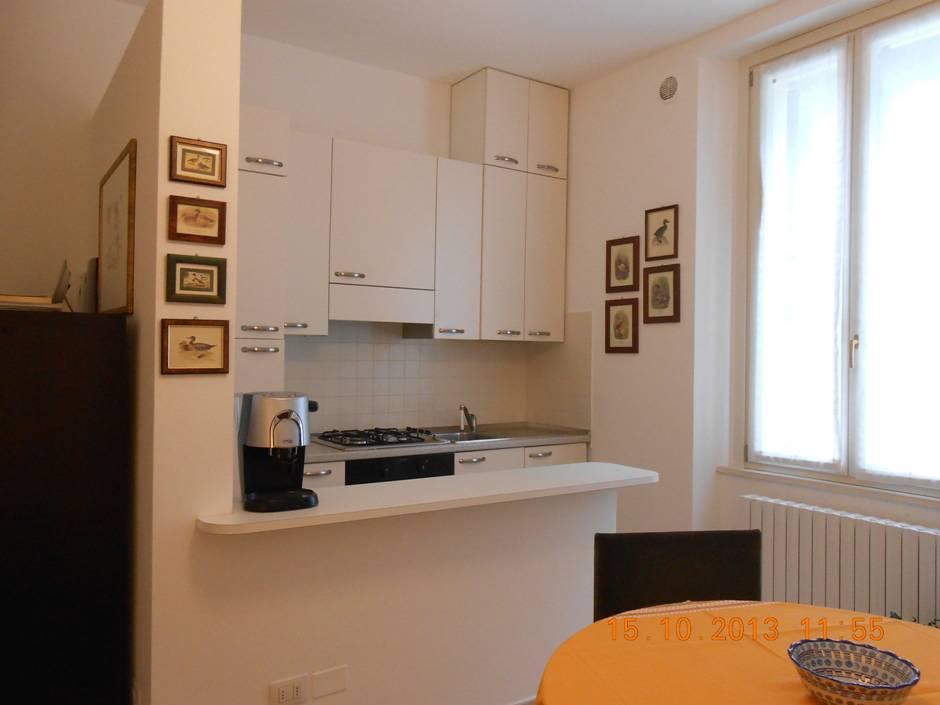 Letto Matrimoniale Pesaro : Affitto appartamento pesaro zona centro mare ab
